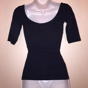 Garage Tops - Top   3/4 Sleeve Fitted Black Stretchy Top